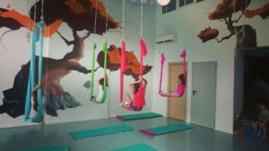 aerial-yoga-party